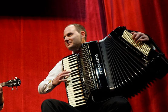 Vlada Veselinovic accordion player