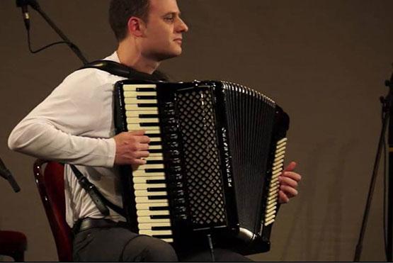 Vlada Veselinovic accordion player
